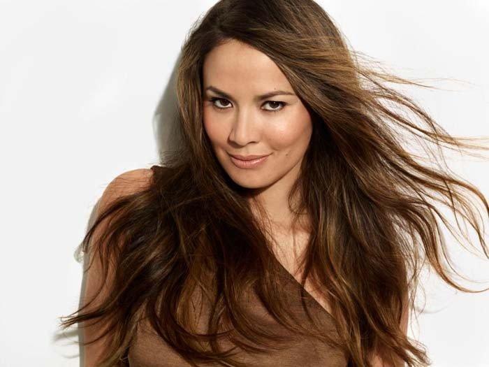 Стрижки жіночі на довге волосся фото