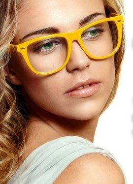 Як підібрати оправу для окулярів за формою обличчя і кольором очей  3fe7efc99e42f