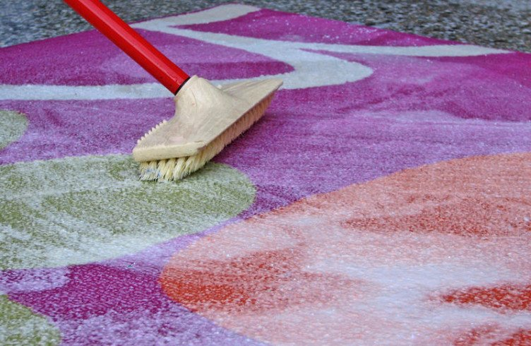 Как быстро и эффективно почистить палас в домашних условиях 572