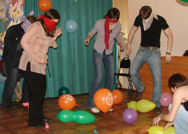 Веселые конкурсы на день рождения взрослым застольные