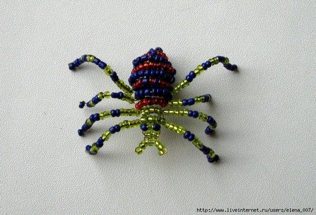 Как сделать из бисера паука легко