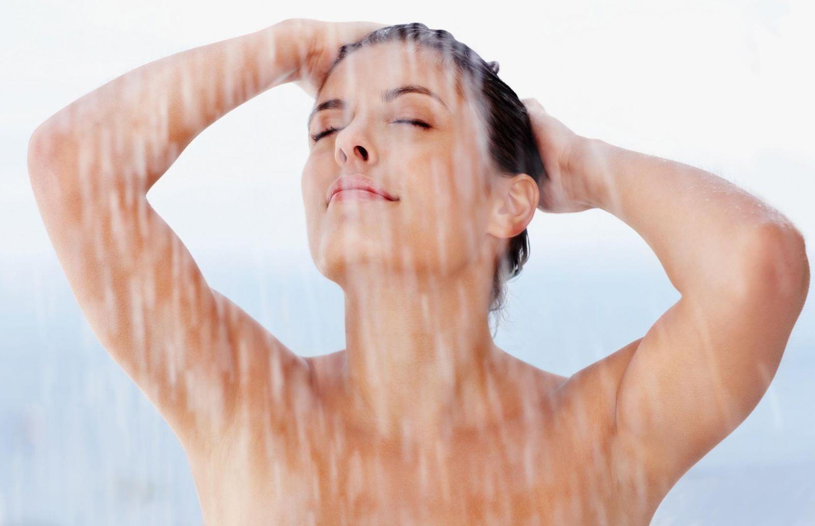 Найпоширеніша помилка, яку ви припускаєте, коли миєте голову