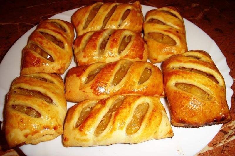 Рецепт дрожжевого пирога с яблоками в духовке пошагово