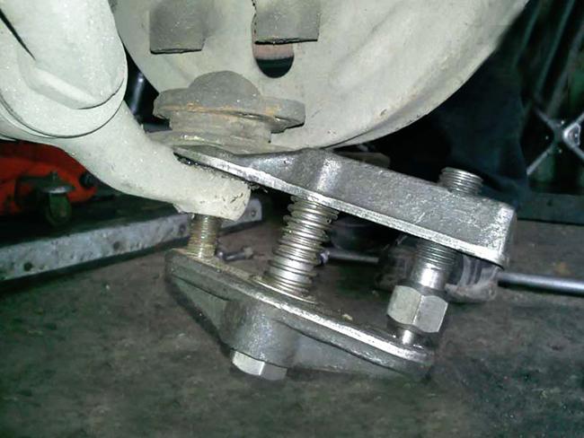 Как сделать съемник рулевых наконечников своими руками 671