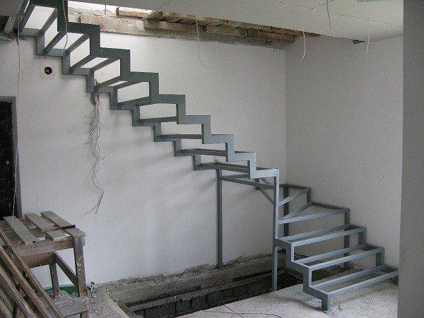 сходи на другий поверх металеві фото
