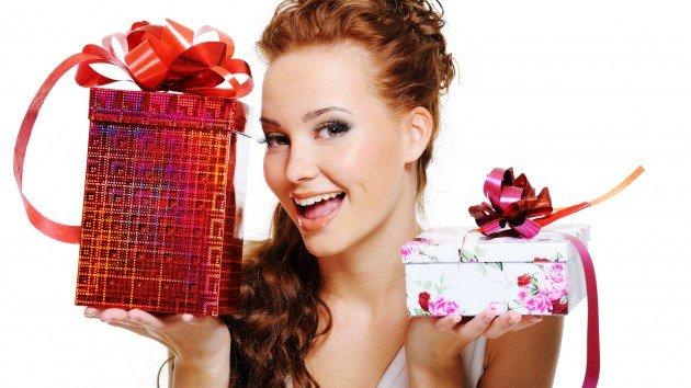 Что можно подарить женщине на день рожденье