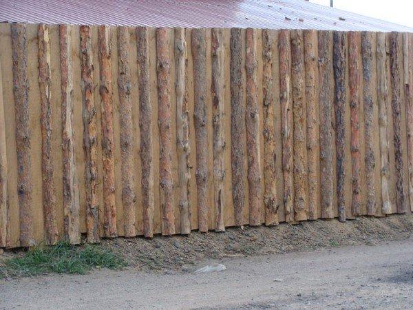 Заборы своими руками из горбыля фото