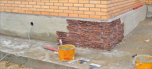 Обшивка цоколя дома своими руками 73