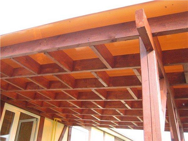 Деревянный навес к дому из поликарбоната своими руками фото