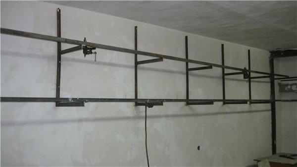 Полка навесная в гараж своими руками из металла 51