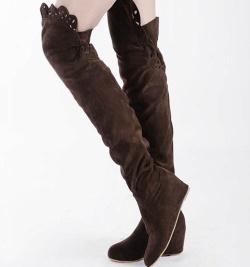 Що носити з ботфортами без каблука – якими вони бувають 276c25fd919bb
