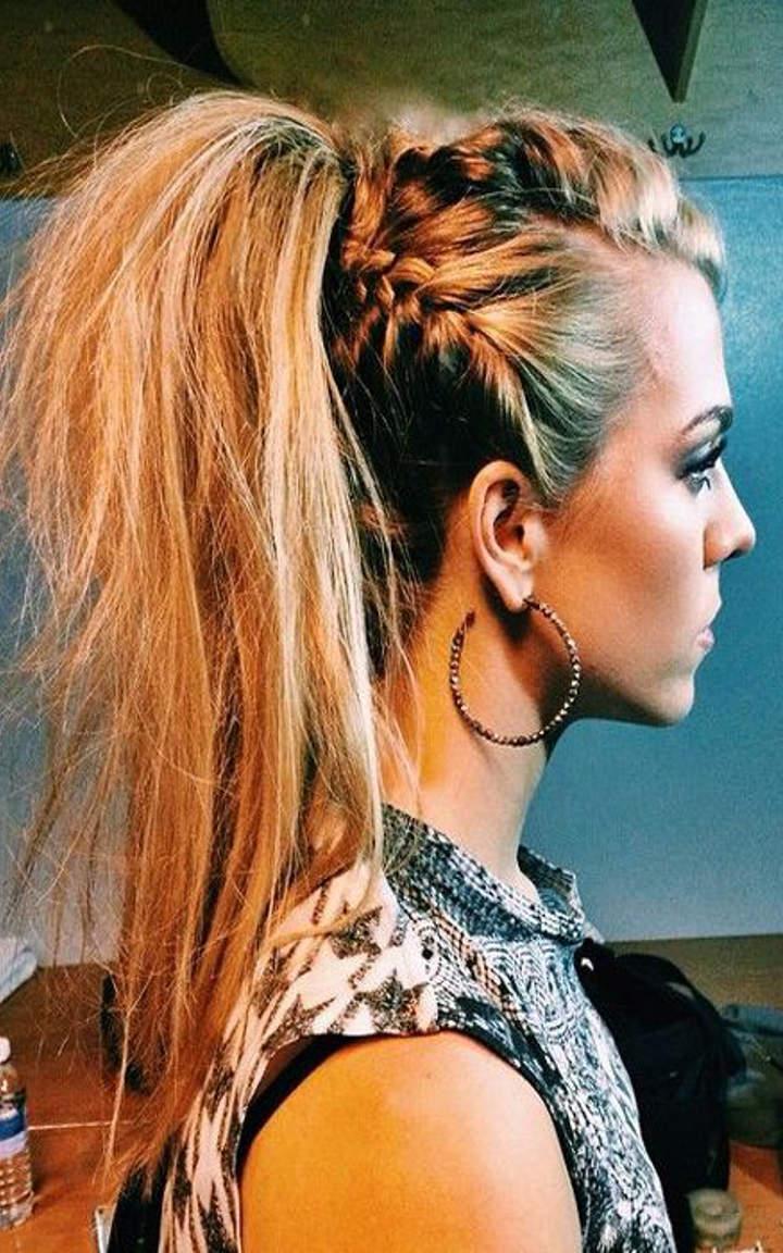 Причёски на длинные волосы с хвостами