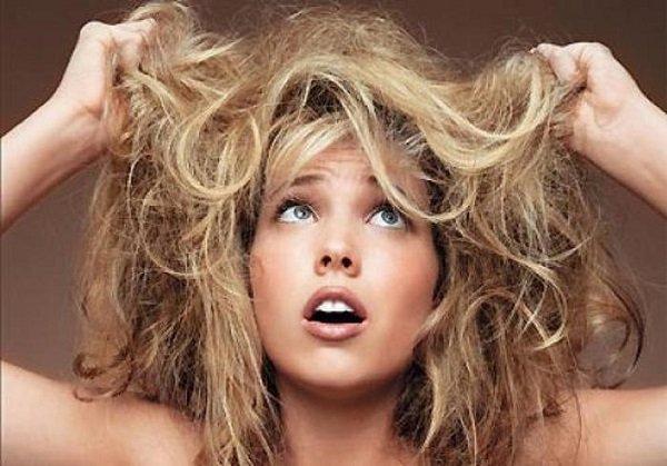 Чому волосся електризується? | Макіяж